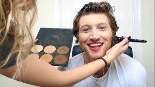 GIRLFRIEND DOES MY MAKEUP (FABULOUS)