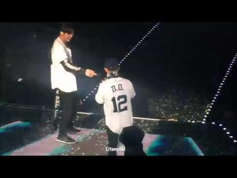160910 EXOrDIUM In Bangkok EXO - Lucky One (funny Moment)