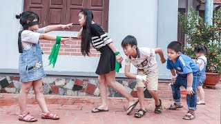 Kids Go To School : Chuns learn DANCE to the music and play GAMES with friends