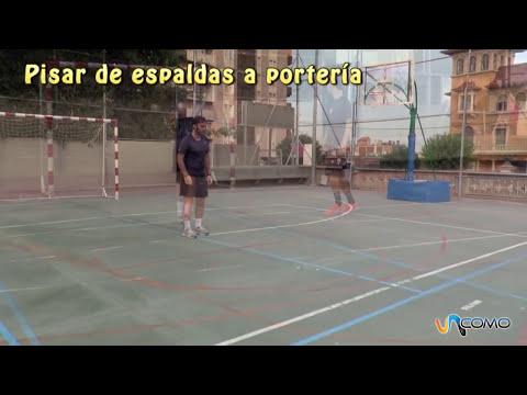 Cómo pisar la pelota de fútbol sala
