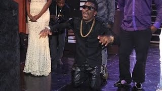 Shatta Wale grabs his 1st award himself @ GN Bank Awards