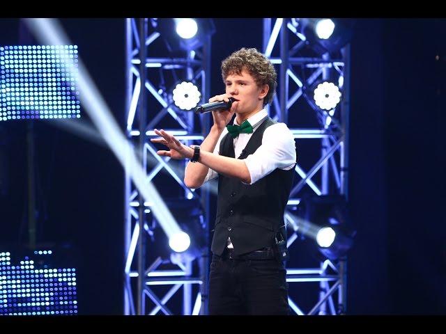 LP - Lost On You. Vezi aici cum cântă Simion Caragia la X Factor!