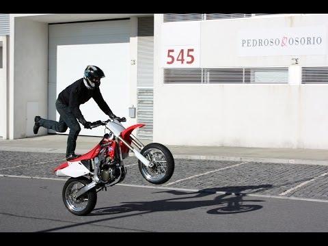 Training SM Wheelies on CRF 450R