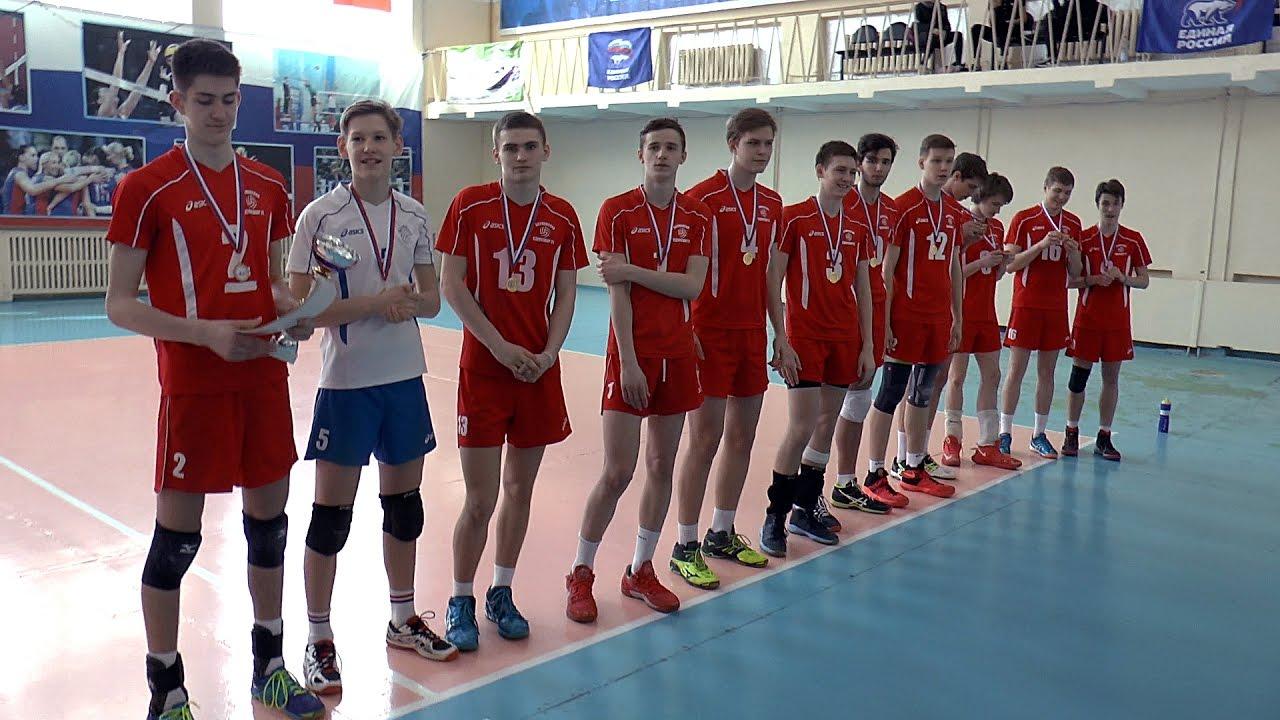 6 и 7 февраля в спортивных залах сош 34 и 42 прошло первенство города по волейболу среди юношей и девушек