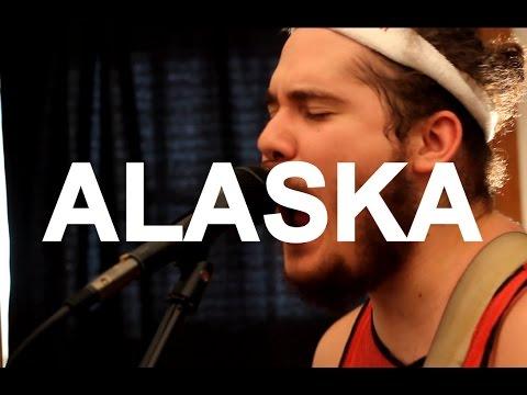 "Alaska - ""Slowburner"" / ""Momming"" Live at Little Elephant (1/2)"
