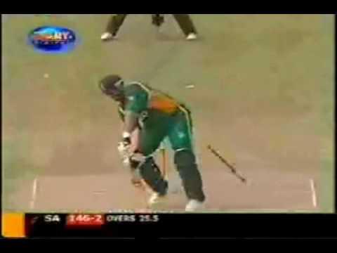 Shoaib Akhtar too fast for Jacques Kallis