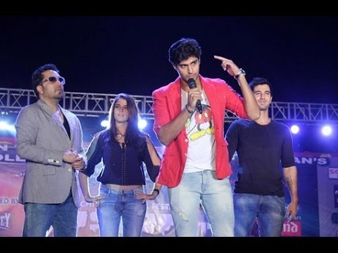 Purani Jeans (out Of Control Mundey) Live Performance By Mika Singh video