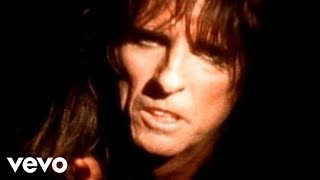 Watch Alice Cooper Its Me video