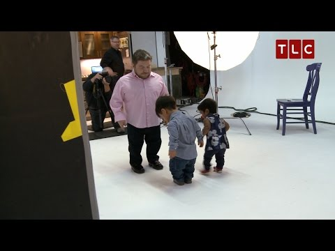 Zoey's the Boss at this Photo Shoot   The Little Couple