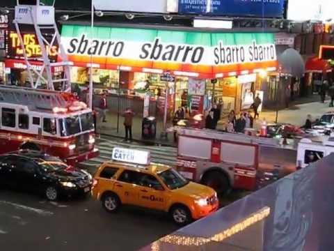 FDNY Feuerwehr New York City im Einsatz am Times Square März 2012