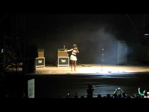 Amy Winehouse Peruana Borracha en Arequipa
