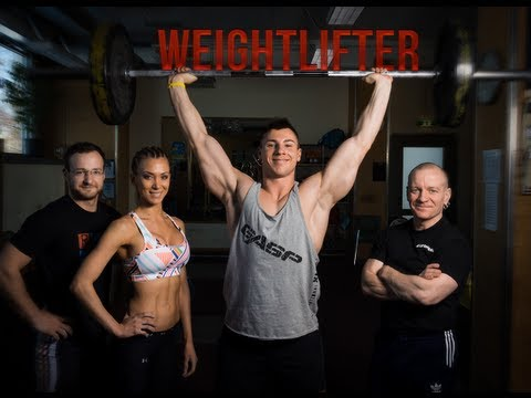 Natural Bodybuilder Meets Weightlifter (eng sub)