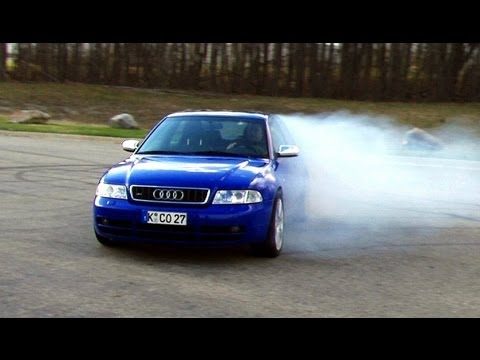 Audi S4 biturbo quattro AWD - Best of oversteer, drifts, and hoonage driving sideways...