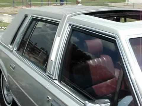 1986 lincoln town car the largest luxury car youtube. Black Bedroom Furniture Sets. Home Design Ideas