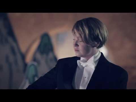 Aino Venna Akustisena - Kuuntele Koskettava Tulkinta video