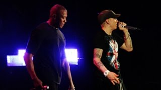 Dr. Dre Video - Eminem & Dr Dre Live in London 2014 - Still Dre at Wembley