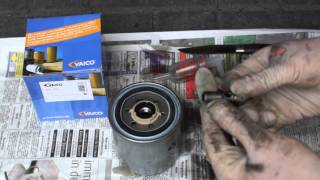 Mercedes-Benz 300 SDL TURBO - OM 603 - DIESEL FUEL FILTER CHANGE