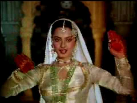 In aankhon ki masti ke - Umrao Jaan 1981 Music Videos