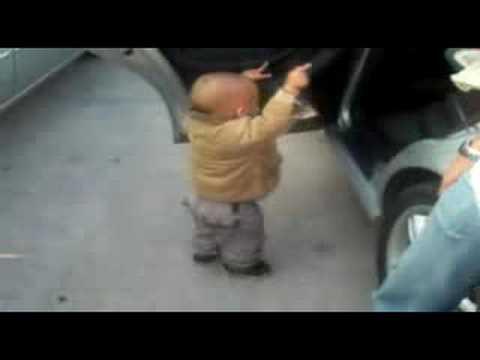 bébé qui dance