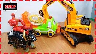 Đồ chơi Siêu nhân gao cưỡi trâu cứu xe bồn chở tuyết và xe cẩu máy xúc