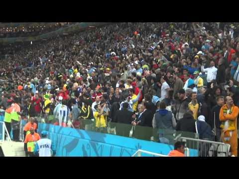 Uruguay 2 x 1 England - Luis Suárez comemora o gol da vitória - Copa 2014