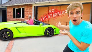 LOCKED OUT PRANK!! (We Found Mystery Neighbor Face Reveal Hiding Outside New Sharer Fam House)