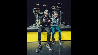 Twenty One Pilots drummer Josh Dun surprises Jaxon Smith