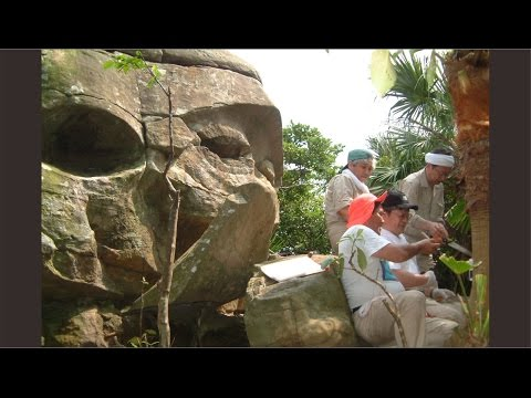 Mysterious Colossal Head was found in the jungle of Yonaguni Japan.