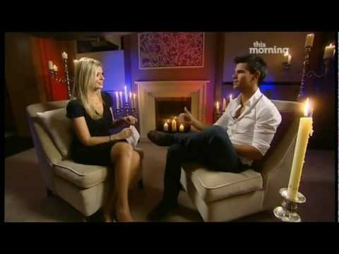 Robert Pattinson & Taylor Lautner Interviewed By Holly Willoughby