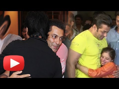 After Shahrukh Khan, Gauri Hugs Salman Khan - MUST WATCH