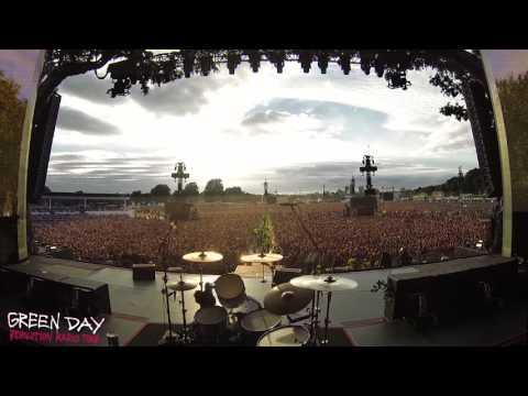 LONDON, ENGLAND Green Day Crowd Singing Bohemian Rhapsody - Hyde Park July 1st, 2017