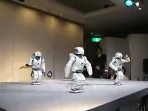 Dancing Japanese Robots