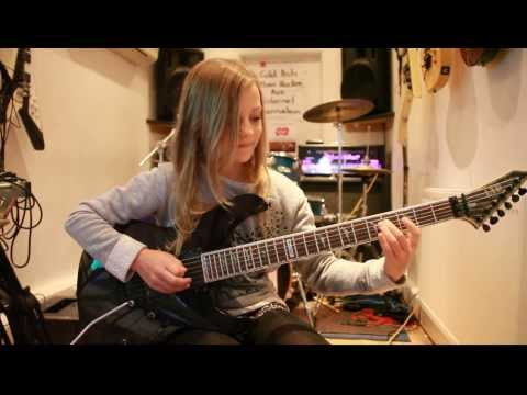 10 Year Old Guitarist Zoe Thomson Plays Canon, Rock Version By Johann Pachelbel video