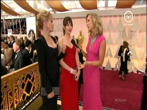 Dakota Johnson and Melanie Griffith at the Oscars Interview by TNT