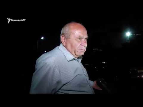 Առաքել Մովսիսյանին մեքենաներով տարան. Այգեկի գյուղապետ