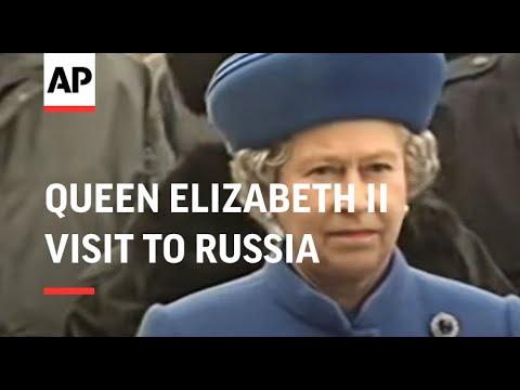 Russia - Elizabeth II Tours Kremlin