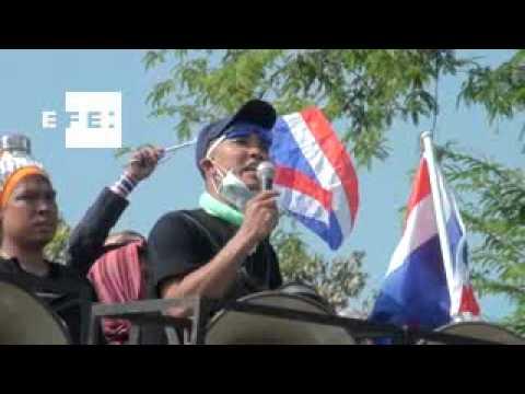 Continúan las protestas en las calles de Bangkok