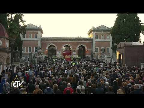 2014 11 01 CDR S Messa Cimitero Verano presieduta da Papa Francesco