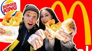 McDonald's vs BURGER KING! + blindsmagning - gæt de rigtige chili cheese tops..