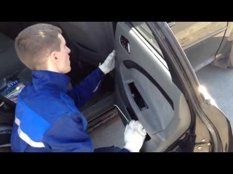Видео как снять обшивку двери Лачетти
