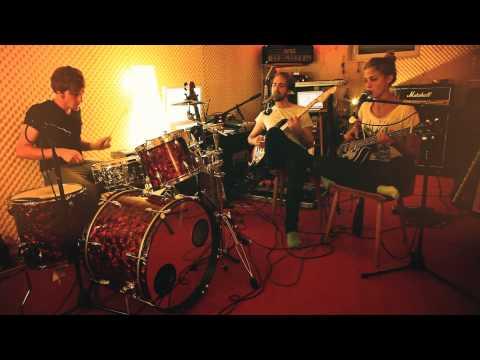 What Goes On - Teresa, Thomas & Kilian ( Beatles cover )