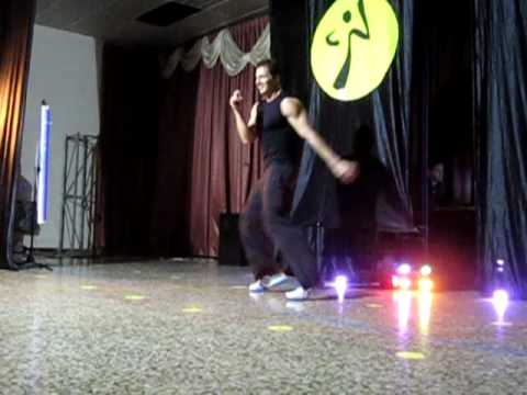 Zumba Con Cyril Final mueve La Cadera video