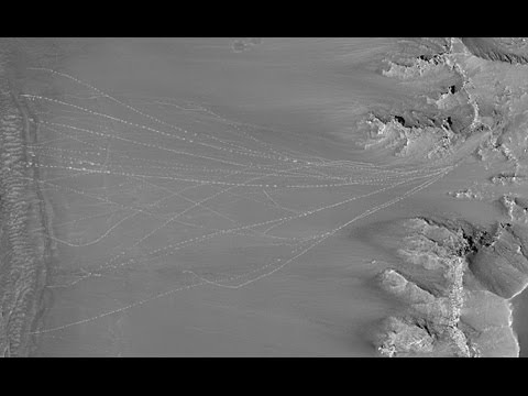 SIGNS OF LIFE ON MARS - Huge Rolling Rocks or Massive Alien Machines