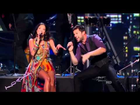 Ricky Martin y Natalia Jimenez Cantando En Vivo