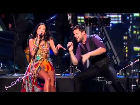 Ricky Martin y Natalia Jimenez - Lo Mejor De Mi Vida Eres Tu - Latin Grammys 2010 HD