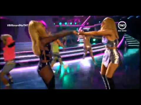 [VIDEO+PHOTOS:] Iggy Azalea Performs 'Pretty Girls' With Britney Spears & Wins Big At Billboard Awards!