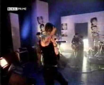 Pulp - Common People live BBC