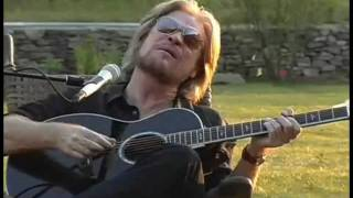 Ain 39 T No Sunshine Daryl Hall With Finger Eleven