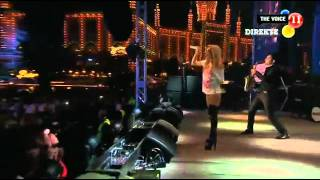 Alexandra Stan - Mr. Saxobeat - The Voice 2011 - Copenhagen en vivo