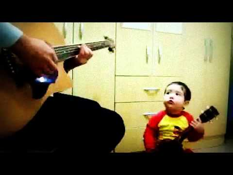 2 years old amazing baby singing